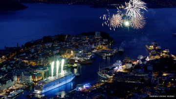 image of a cruise ship from above in bergen normay