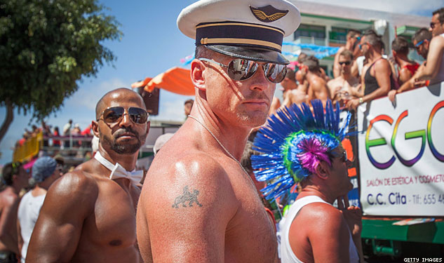 PHOTOS: Feathers, Muscles, and Pride in Gran Canaria