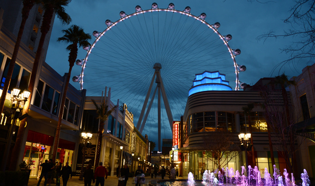 PHOTOS: Vegas' New Landmark Ferris Wheel All Lit Up