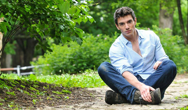 See Gay Country Singer Steve Grand in Chicago