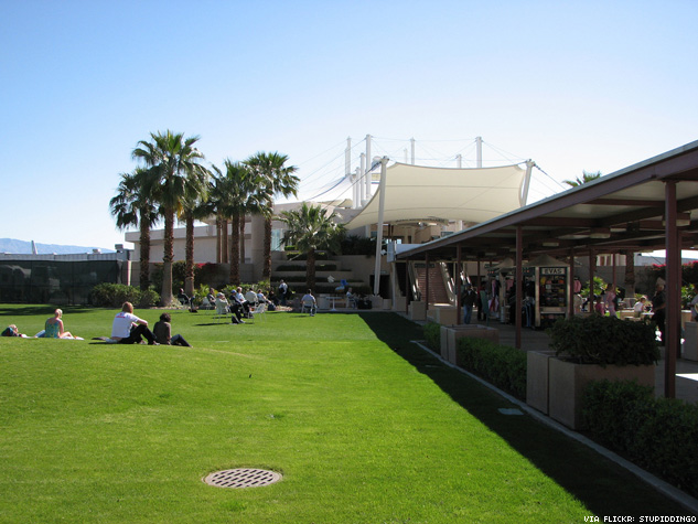 Why Travelers Love Palm Springs Airport