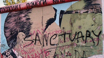 Fall of Berlin Wall Commemorated... On Instagram