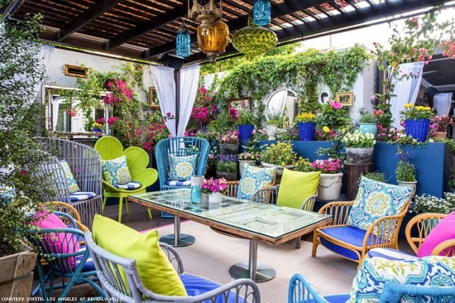 The garden oasis at Cattle & Claw feels like you're not in the center of the city.